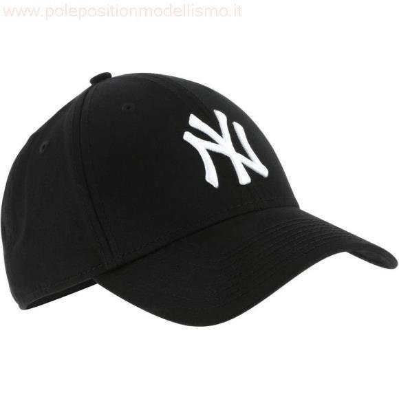 acquista per ufficiale vero affare stili classici cappello uomo invernali con visiera adidas