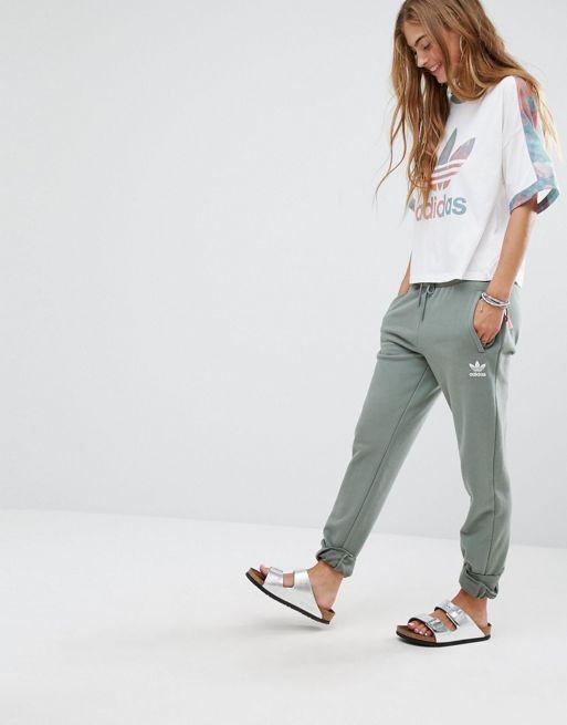 pantaloni tuta larghi adidas