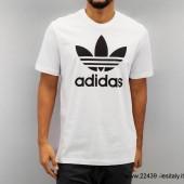 t- shirt adidas